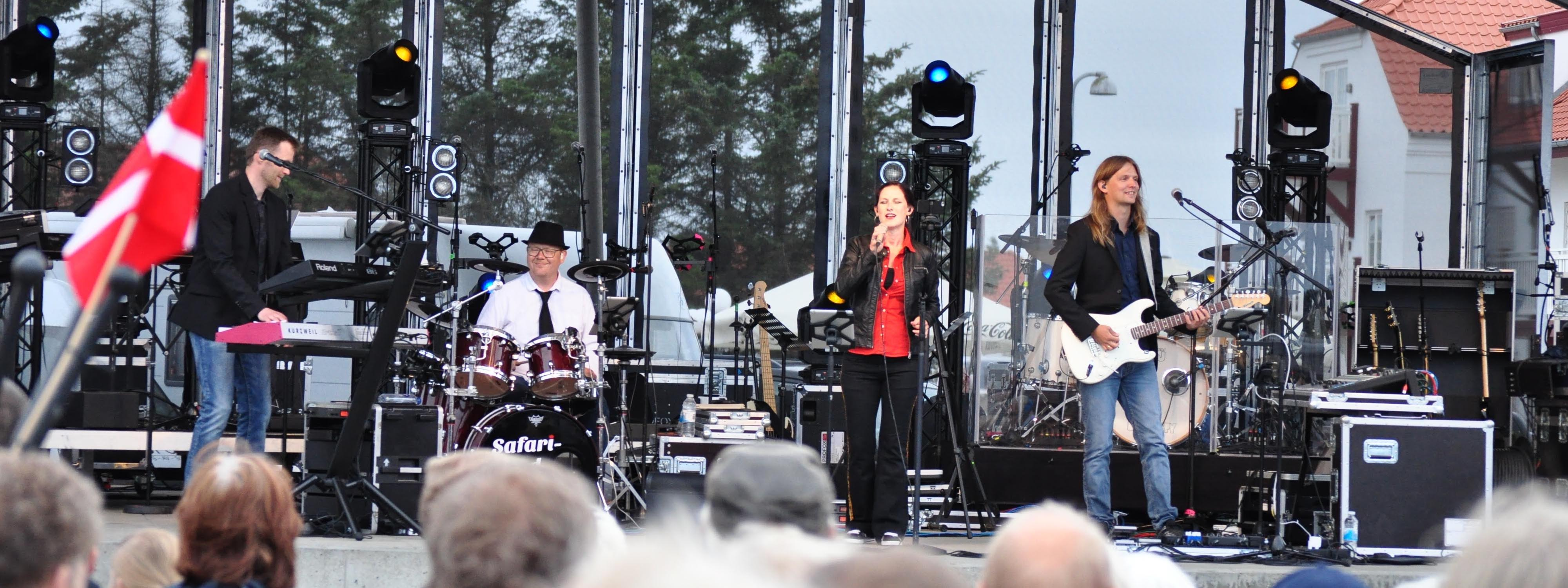 """optrædener med bl.a. """"Birthe Kjær"""", """"Hardinger band"""", """"Johnny Madsen"""" & """"Kandis"""""""